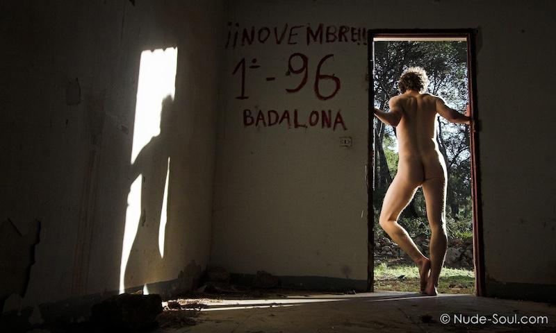 Novembre!! 1-96 Badalona. Self portrait male photo art -  Within Walls and Windows