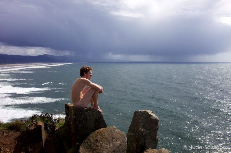 Storm Watcher - Nature Au Natural